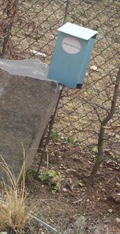 claus Maywald Briefkasten für Verstorbene